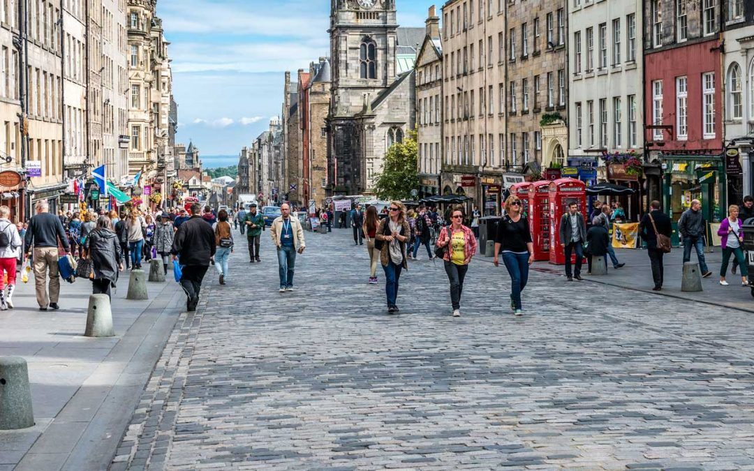 Tourism businesses urged to capitalise on Edinburgh's free WiFi